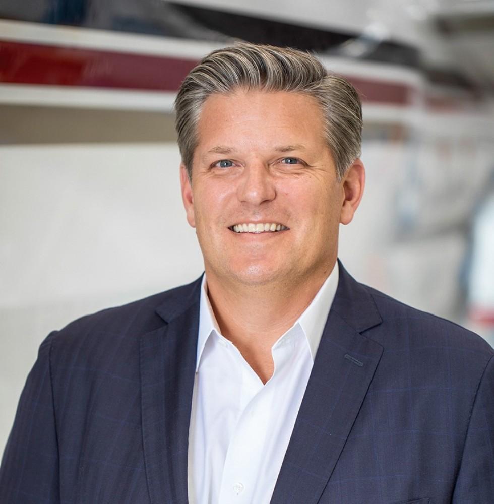 Président des ventes, du service et du marketing de NetJets