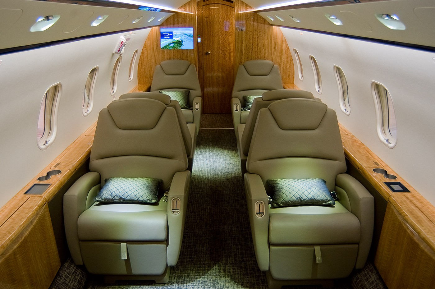 Challenger 300 S/N 20304 cabin