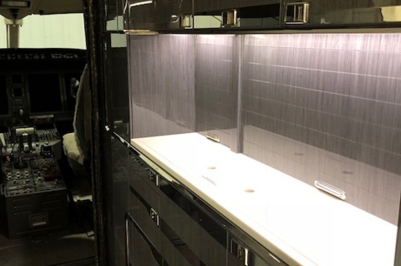 challenger 350 galley