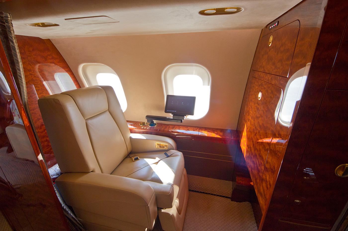 Global Express Vision 6000 S/N9490 - Crew seat