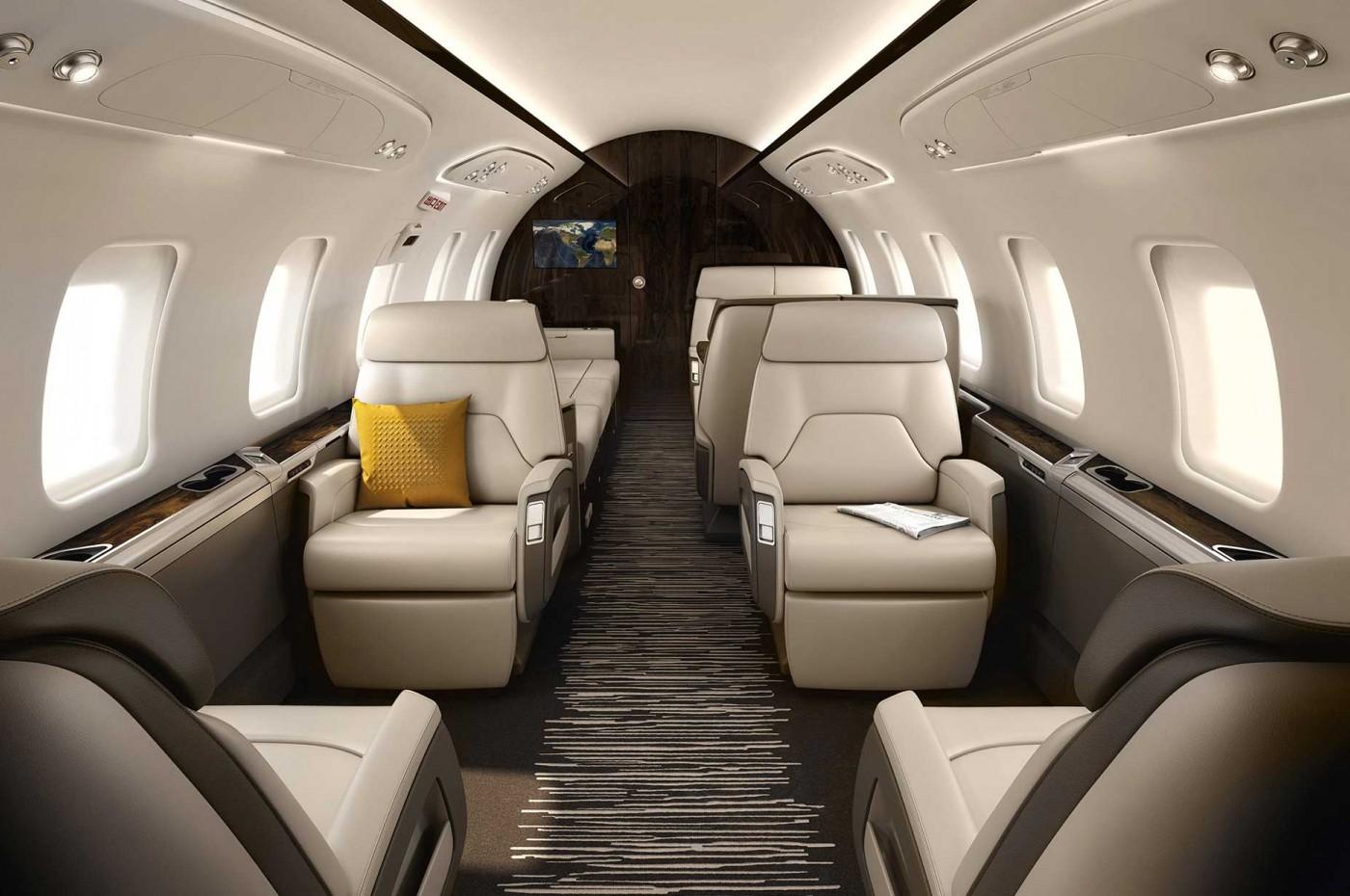 Challenger 650 forward cabin