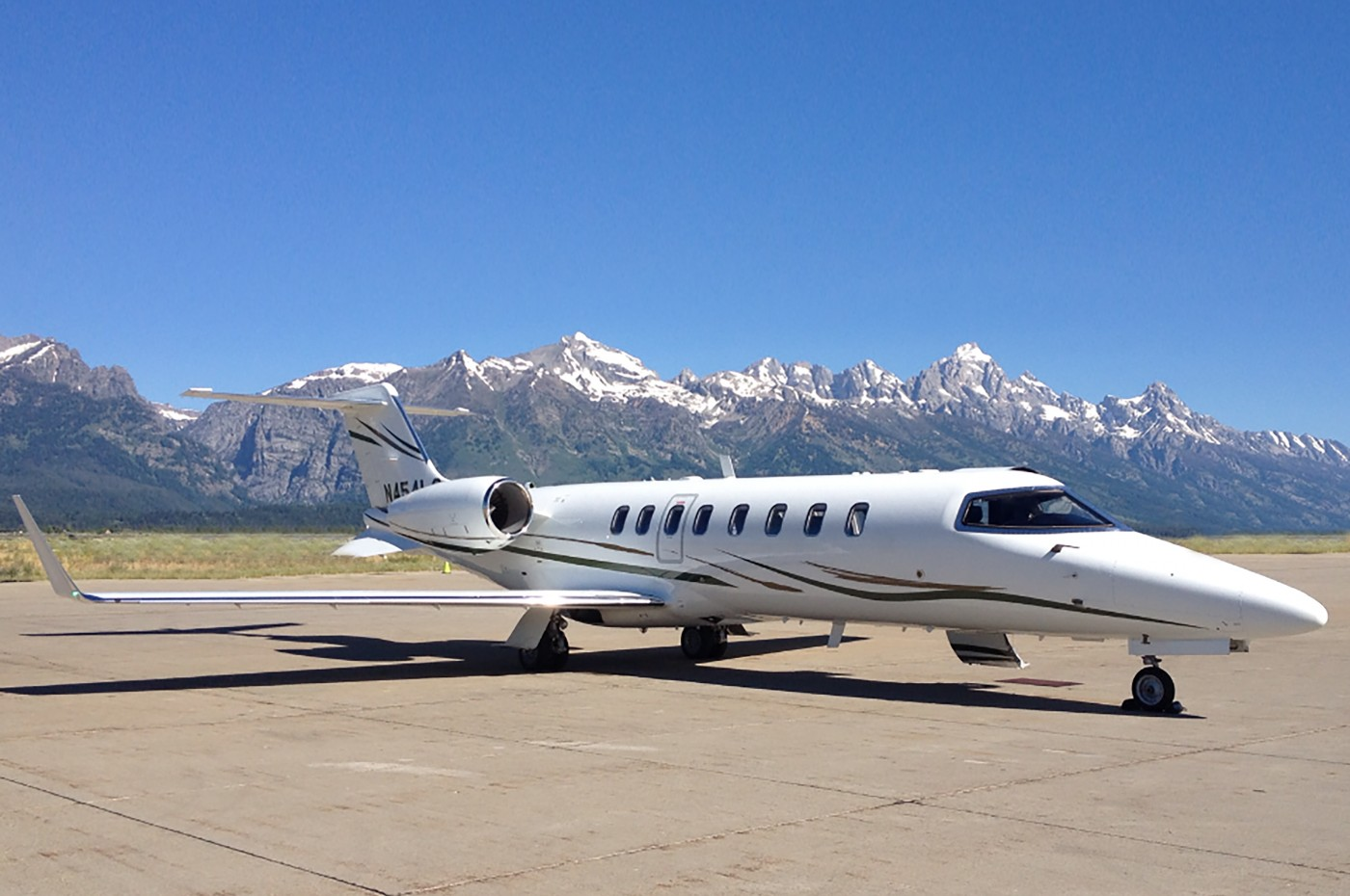 Learjet 45XR Exterior