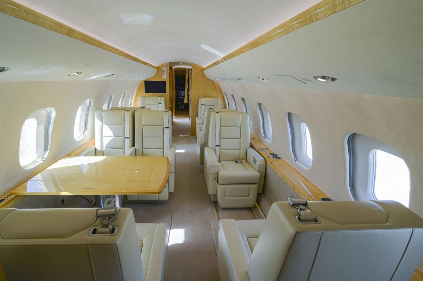 Global 6000 S/N 9695 Interior AFT