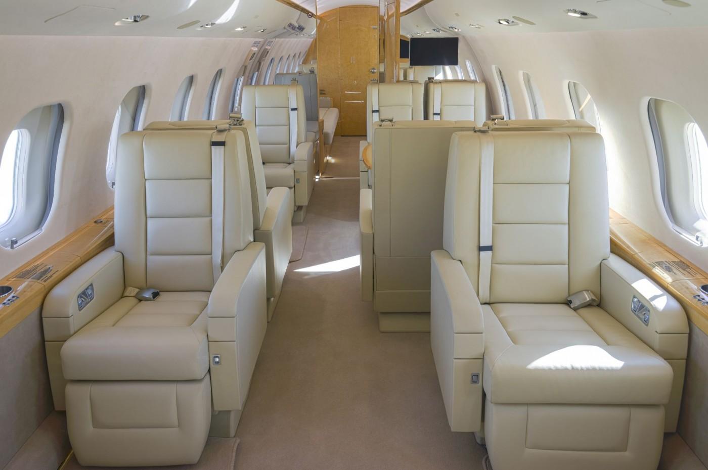 Global 6000 S/N 9695 Seats