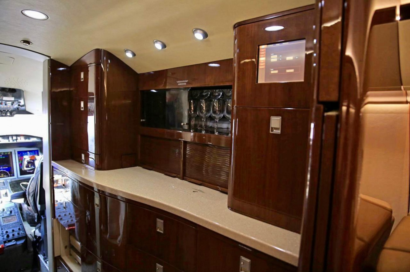 Challenger 605 S/N 5791 Galley