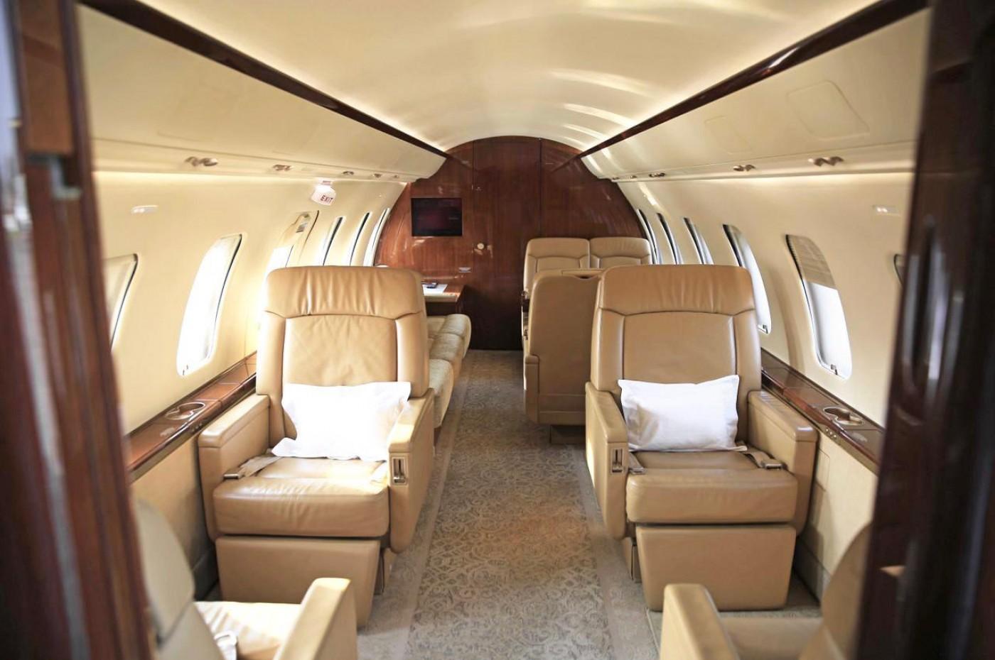 Challenger 605 S/N 5791 Interior