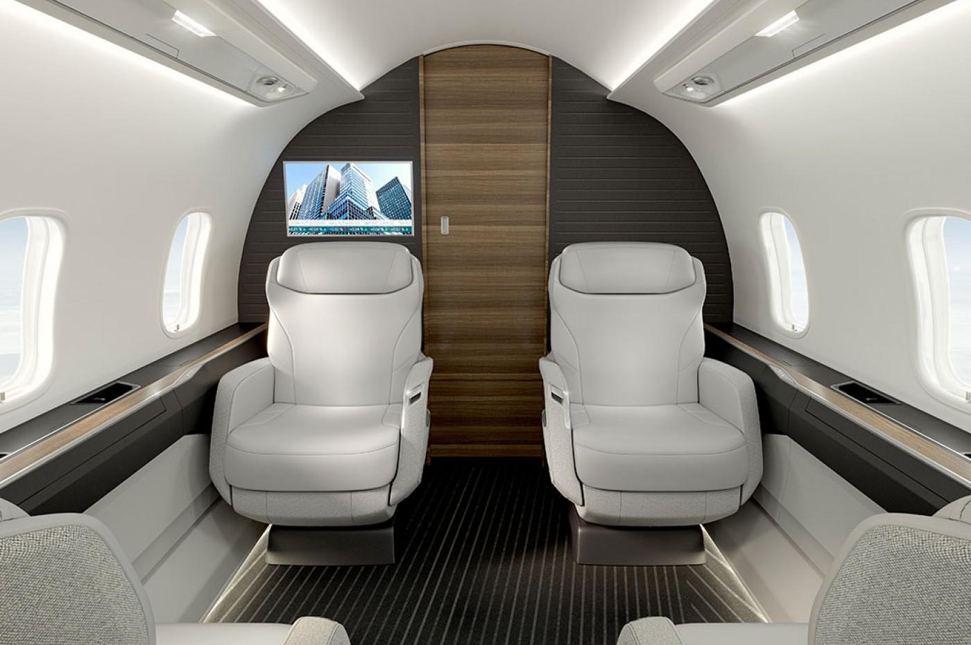 Challenger 3500 forward cabin