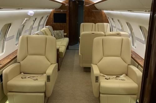 Challenger 605 Cabin