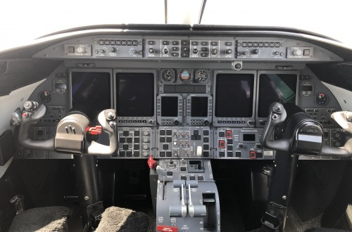 Learjet 45XR Cockpit