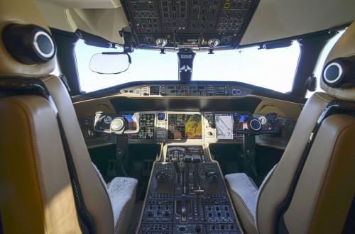 Global 6000 S/N 9695 Cockpit
