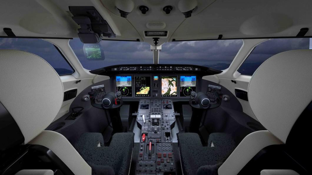 Challenger 350 Flight Deck