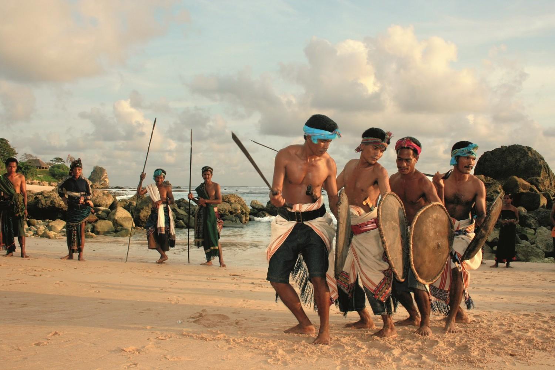 Pasola tribe battle