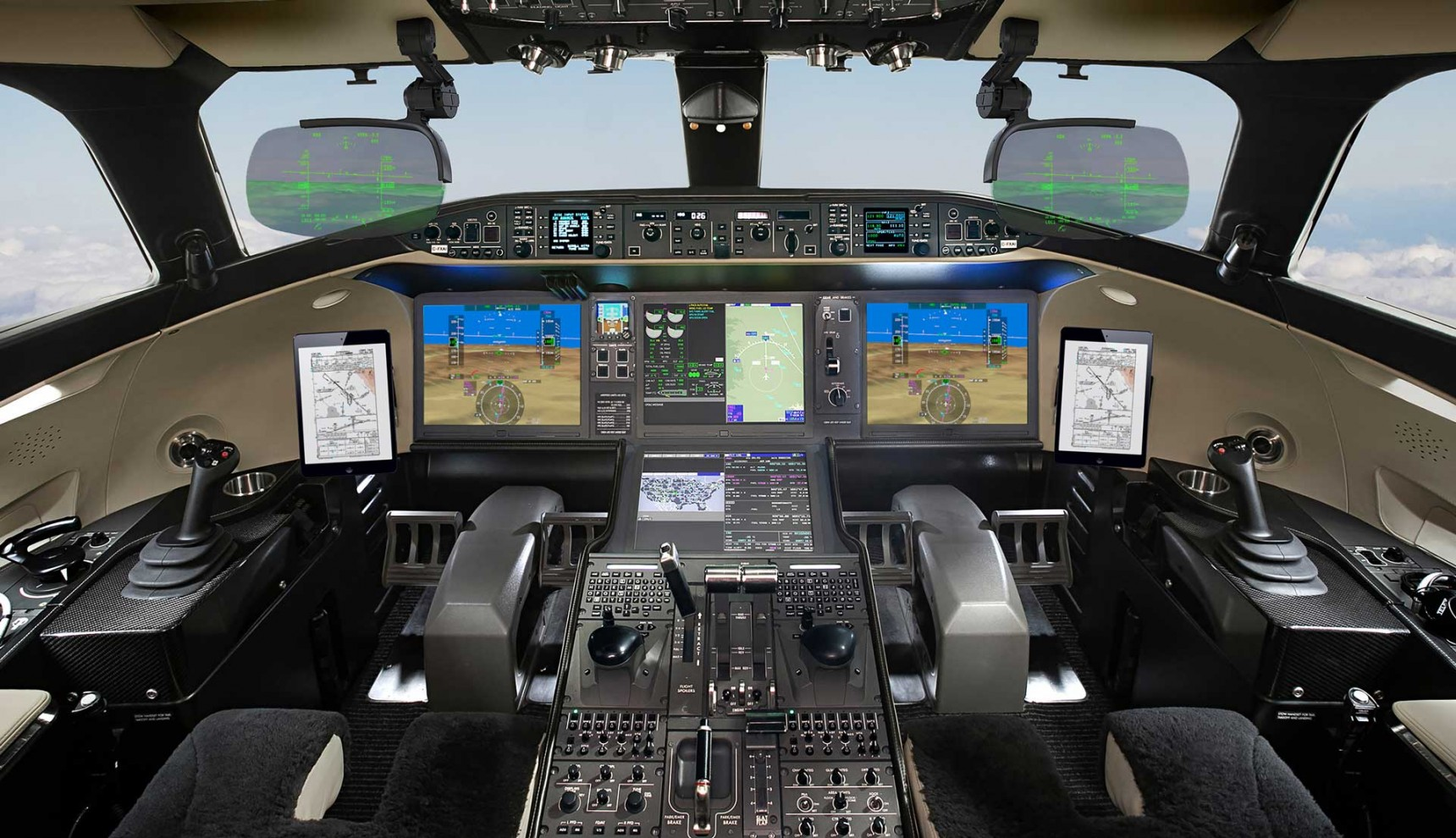 Global 7500 Aircraft with Dual HUD